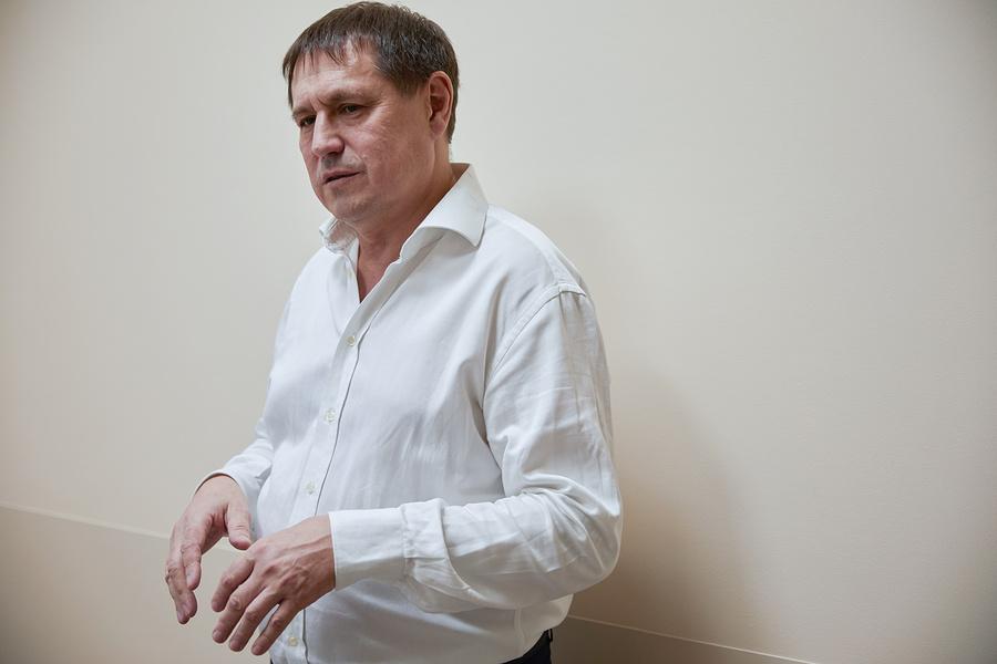 Руководитель клиники врач-невролог, доктор медицинских наук Вадим Даминов