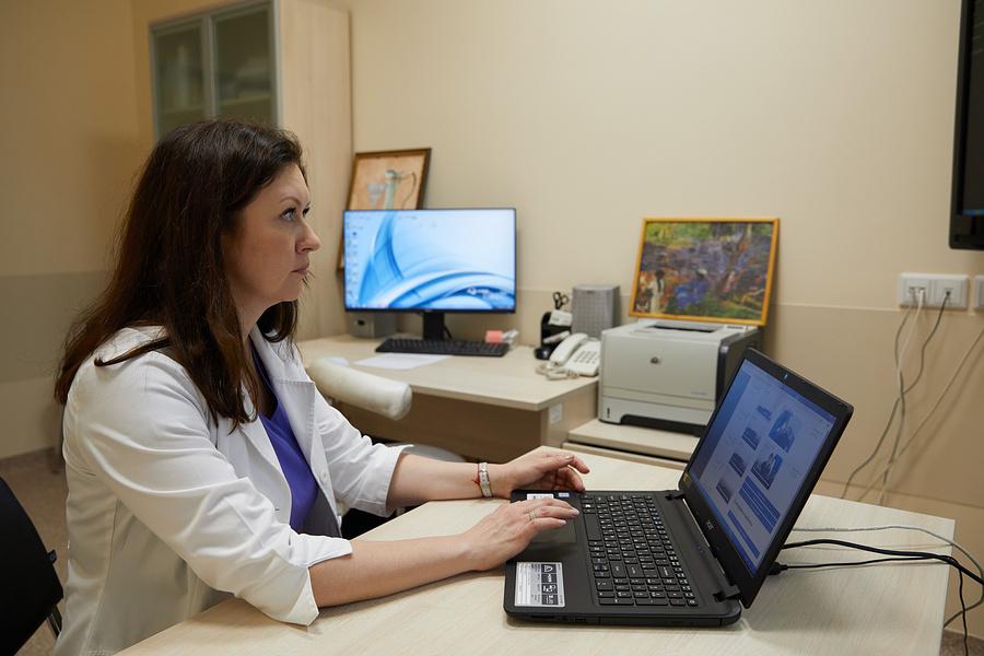 Ирина Горохова, заведующая кабинетом телемедицины клиники медицинской реабилитации