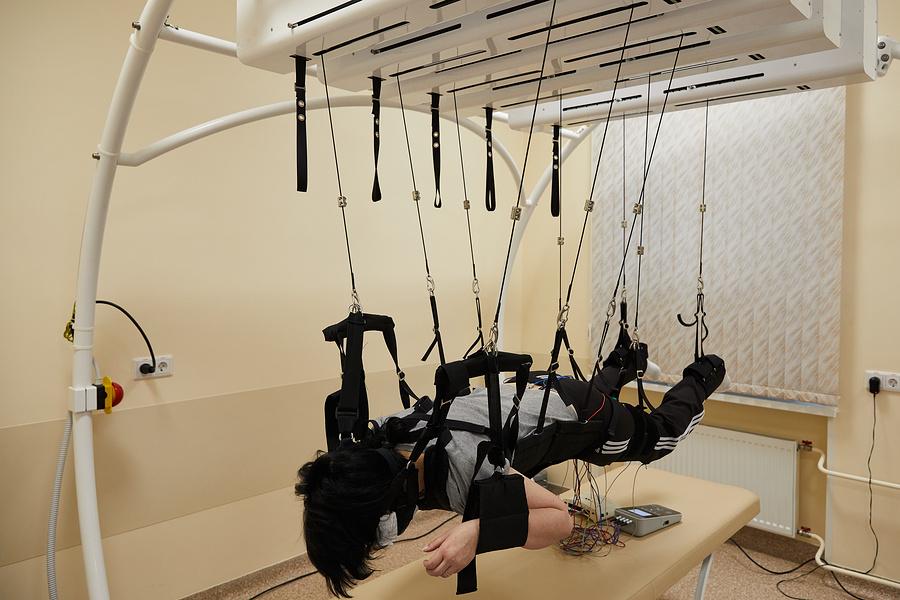Аппаратно-программный комплекс КРИСАФ для реабилитации после спинальных травм и операций